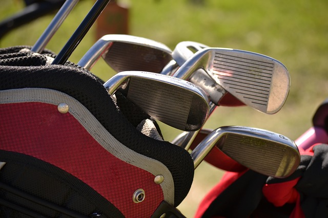 Qu'est-ce qu'un club de golf en fer forgé ?